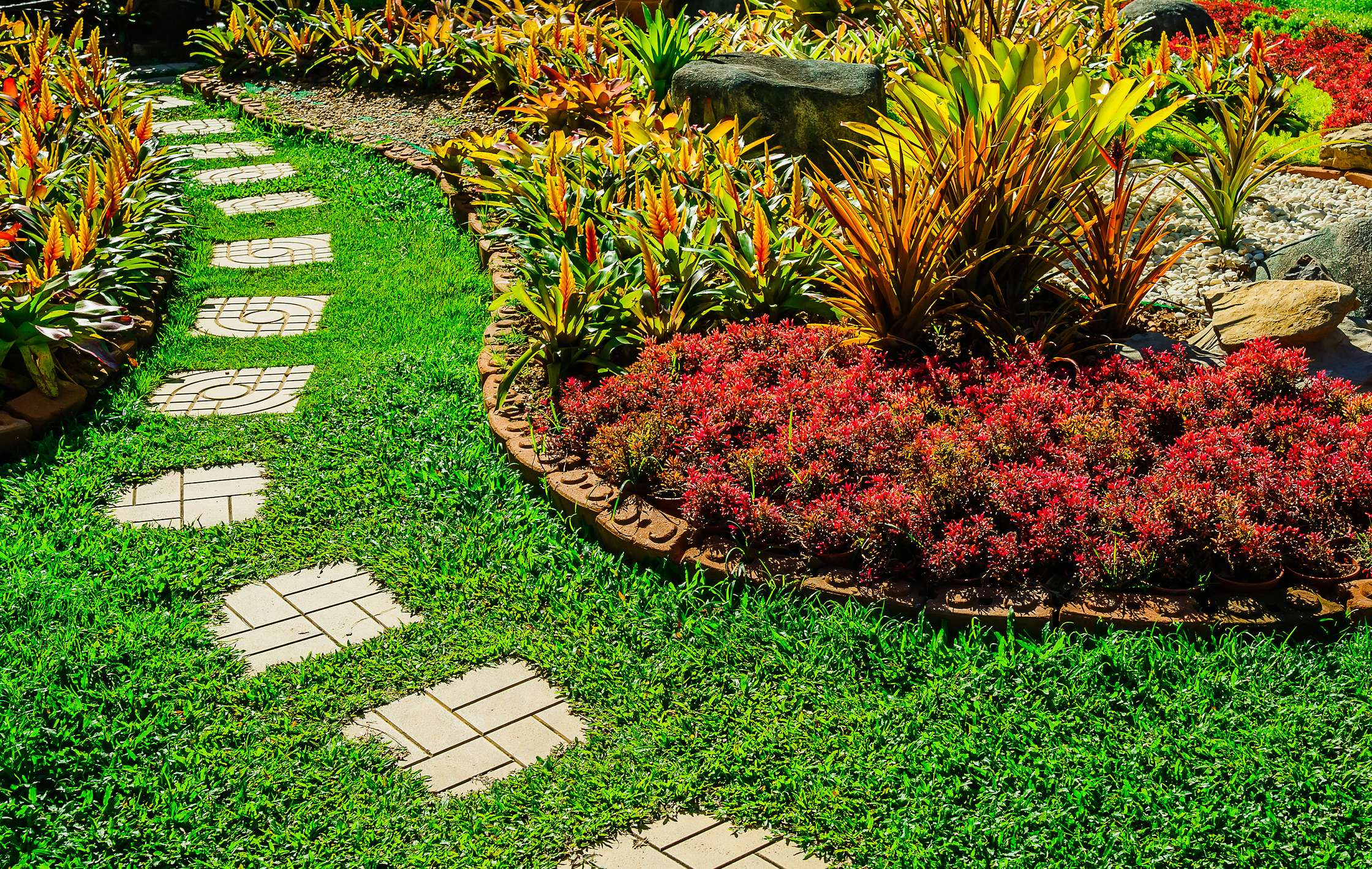 Let us take commercial landscaping off your to-do list
